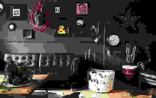 Кухня в тёмных тонах: как не утонуть во мраке ночи