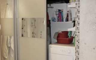 Вмещаем шкаф в крохотную ванную: как это сделать