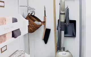3 идеи, где хранить уборочный инвентарь, если в квартире нет кладовой