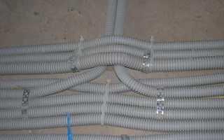 Пластиковая гофрированная труба ПВХ для электромонтажных работ