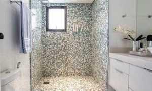 Душевая из мозаики – оригинальное решение для вашего дома