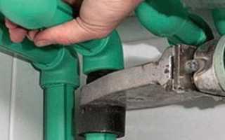 Как произвести монтаж пластиковых труб своими руками: 3 популярных способа